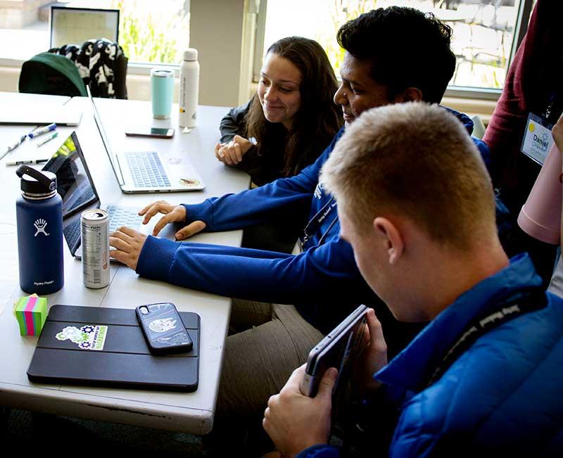 Hackathon 2019 students working